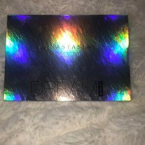Anastasia Dream Glow Kit